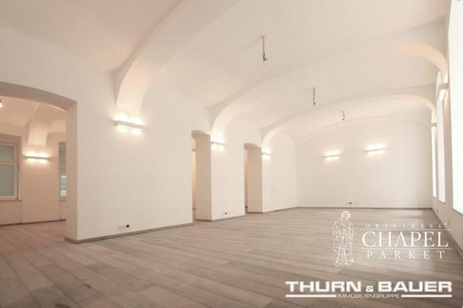 Podłogi drewniane w wysmakowanych wnętrzach handlowych