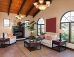 Aranżacja dużego salonu w stylu klasycznym – jak urządzić salon?