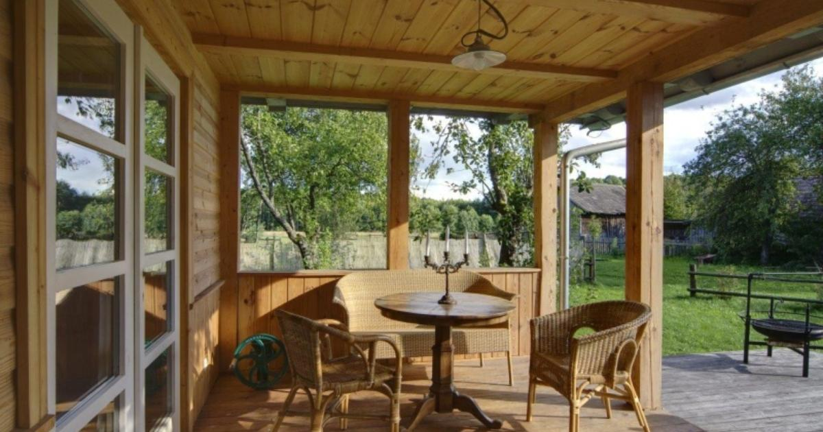 Meble Ogrodowe Wiklinowe Warszawa : Wiklinowe meble ogrodowe świetnie uzupełnią drewniany taras